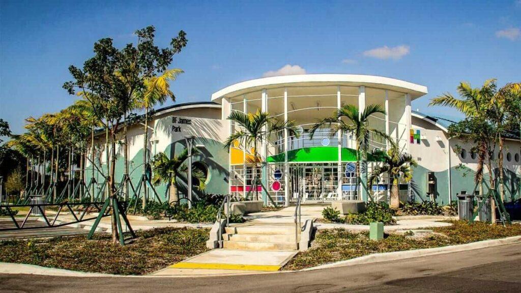 Hallandale Beach FL-Metro Metal Roofing Company of Miramar